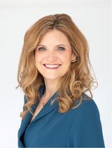 Clare Anstead's Profile Picture